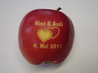 Apfel Mit Gravur Laser Obst Lasern Sie Ihr Logo Auf Apfel Individu